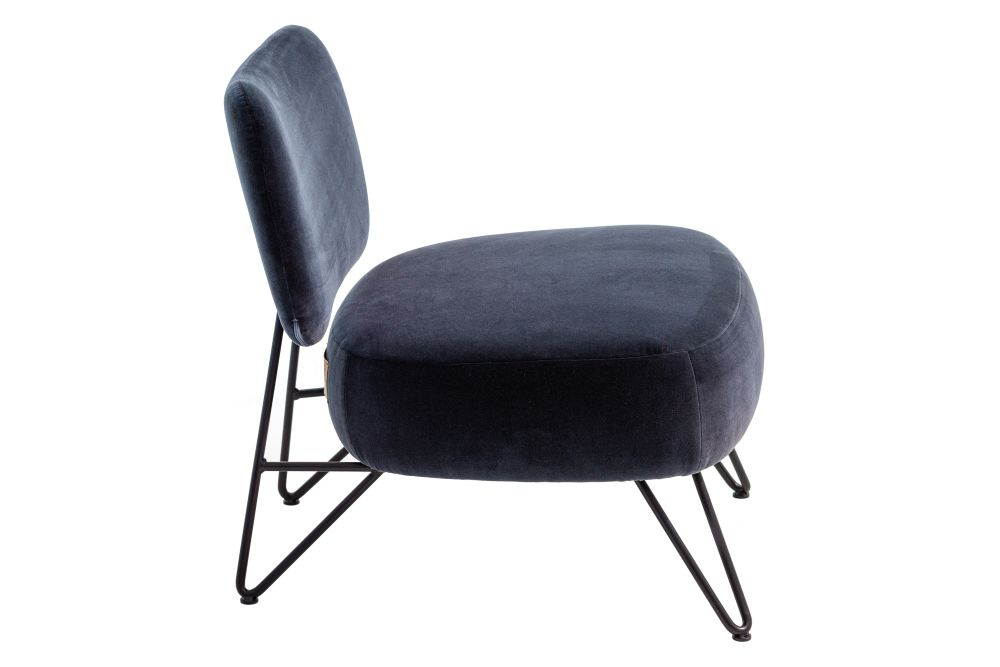 https://res.cloudinary.com/clippings/image/upload/t_big/dpr_auto,f_auto,w_auto/v1619552898/products/overdyed-reloaded-lounge-chair-diesel-living-with-moroso-diesel-creative-team-clippings-11528441.jpg
