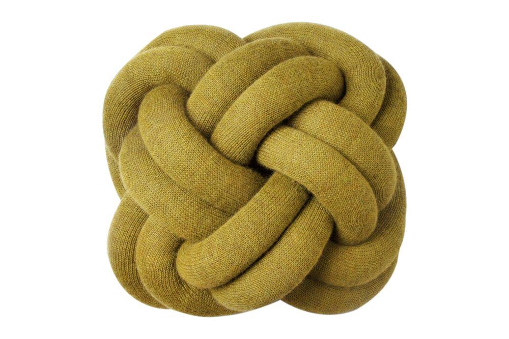 https://res.cloudinary.com/clippings/image/upload/t_big/dpr_auto,f_auto,w_auto/v1619590050/products/knot-cushion-set-of-2-design-house-stockholm-ragnhei%C3%B0ur-%C3%B6sp-sigur%C3%B0ard%C3%B3ttir-clippings-11528461.jpg