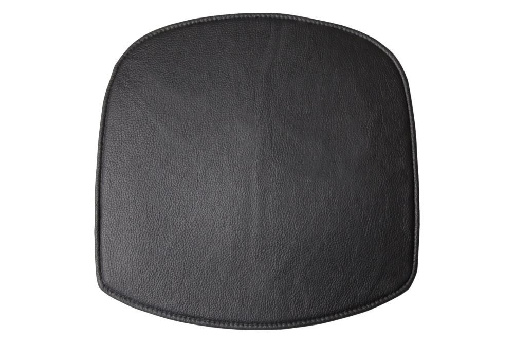 https://res.cloudinary.com/clippings/image/upload/t_big/dpr_auto,f_auto,w_auto/v1619590425/products/wick-seat-cushion-design-house-stockholm-karl-malmvall-jesper-st%C3%A5hl-clippings-11528478.jpg