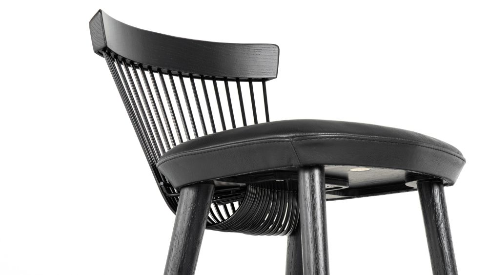 https://res.cloudinary.com/clippings/image/upload/t_big/dpr_auto,f_auto,w_auto/v1624528796/products/ww-bar-stool-black-leather-hayche-clippings-11531386.jpg