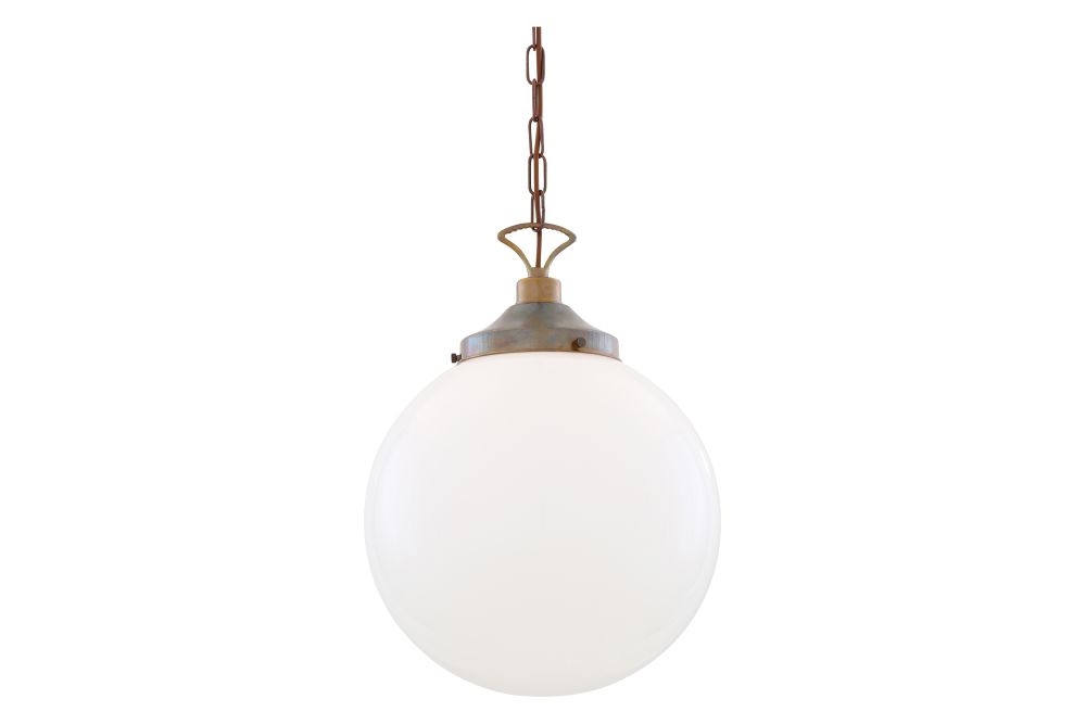https://res.cloudinary.com/clippings/image/upload/t_big/dpr_auto,f_auto,w_auto/v1626349267/products/yerevan-pendant-light-mullan-lighting-clippings-11532275.jpg