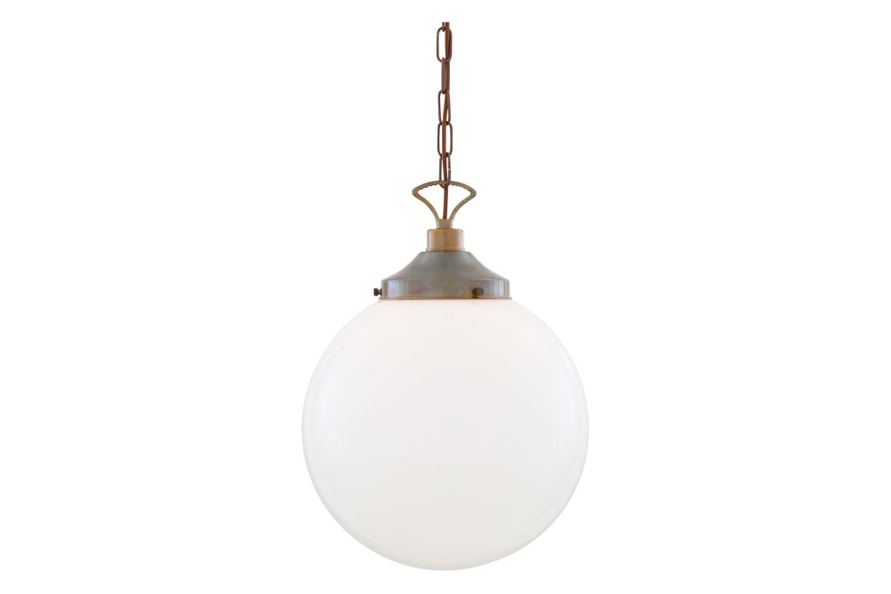 https://res.cloudinary.com/clippings/image/upload/t_big/dpr_auto,f_auto,w_auto/v1626349270/products/yerevan-pendant-light-mullan-lighting-clippings-11532279.jpg