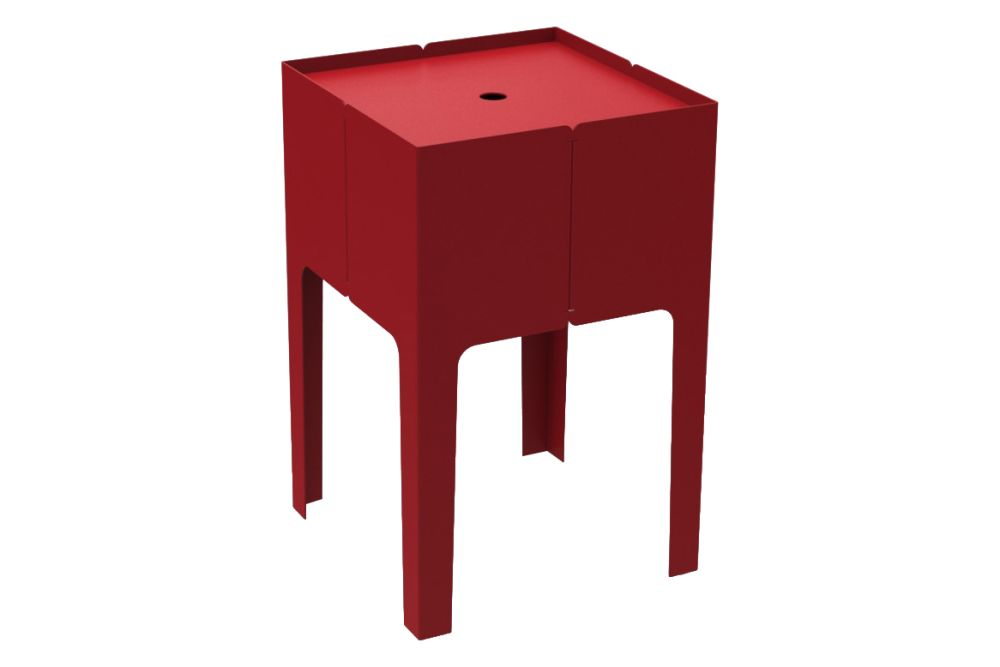 https://res.cloudinary.com/clippings/image/upload/t_big/dpr_auto,f_auto,w_auto/v1631611084/products/cape-low-bedside-storage-table-new-mati%C3%A8re-grise-luc-jozancy-clippings-11536102.jpg