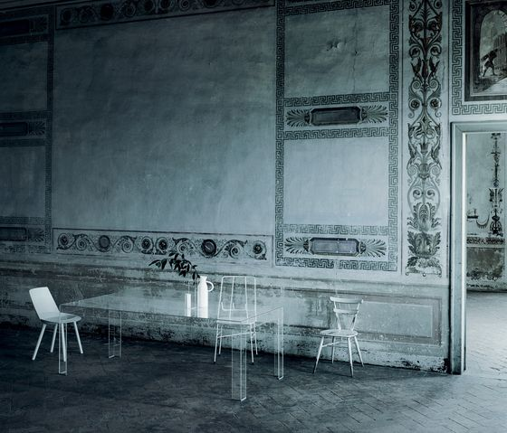 Glas Italia,Dining Tables,architecture,black,black-and-white,furniture,monochrome,room,table,wall,white