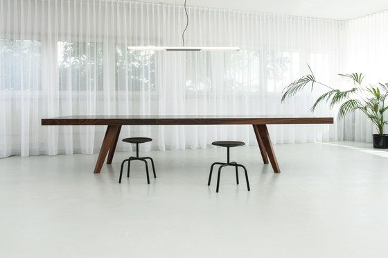 MORGEN,Office Tables & Desks,chair,coffee table,desk,furniture,interior design,material property,room,table