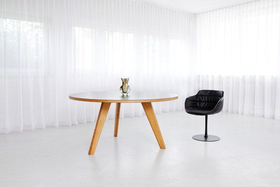 MORGEN,Dining Tables,chair,coffee table,design,desk,floor,furniture,interior design,product,room,table,white