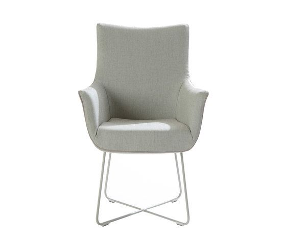 https://res.cloudinary.com/clippings/image/upload/t_big/dpr_auto,f_auto,w_auto/v2/product_bases/chief-dining-chair-by-label-label-gerard-van-den-berg-clippings-3689962.jpg