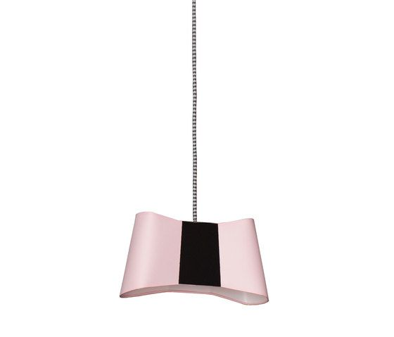 https://res.cloudinary.com/clippings/image/upload/t_big/dpr_auto,f_auto,w_auto/v2/product_bases/couture-pendant-light-small-by-designheure-designheure-emmanuelle-legavre-clippings-3029962.jpg