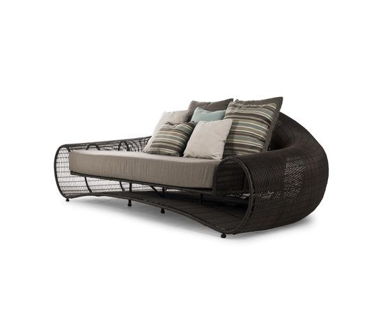https://res.cloudinary.com/clippings/image/upload/t_big/dpr_auto,f_auto,w_auto/v2/product_bases/croissant-sofa-by-kenneth-cobonpue-kenneth-cobonpue-kenneth-cobonpue-clippings-7081402.jpg