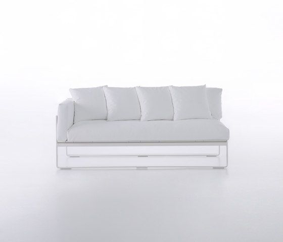 GANDIABLASCO,Outdoor Furniture,couch,furniture,sofa bed,studio couch,white