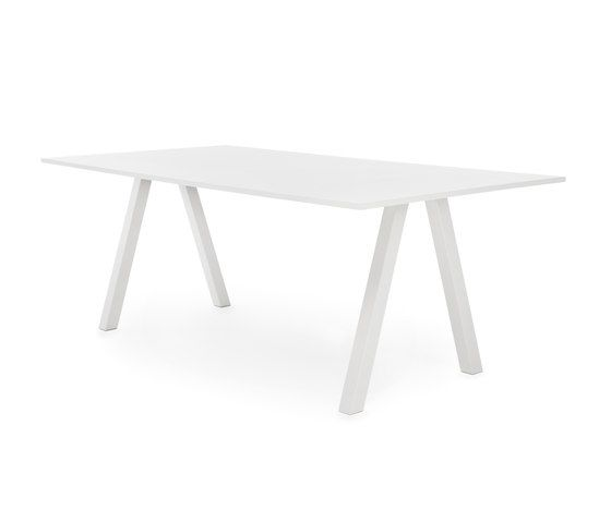 https://res.cloudinary.com/clippings/image/upload/t_big/dpr_auto,f_auto,w_auto/v2/product_bases/frankie-conference-table-high-a-leg-90cm-by-martela-oyj-martela-oyj-iiro-viljanen-clippings-6512222.jpg
