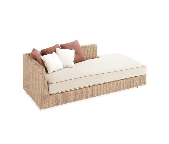 Point,Outdoor Furniture,bed,beige,comfort,couch,furniture,sofa bed,studio couch,table,wicker