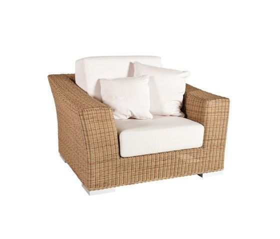 Point,Outdoor Furniture,beige,chair,club chair,furniture,wicker
