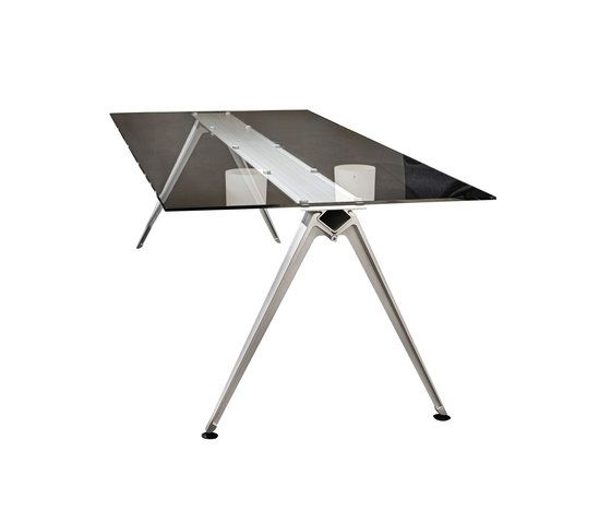 Randers+Radius,Dining Tables,desk,furniture,table,tripod