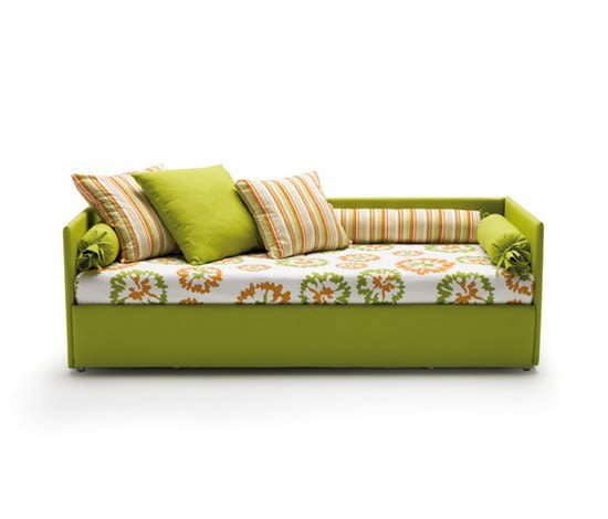 https://res.cloudinary.com/clippings/image/upload/t_big/dpr_auto,f_auto,w_auto/v2/product_bases/jack-by-milano-bedding-milano-bedding-clippings-6438782.jpg