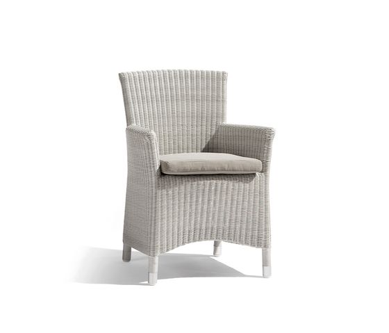 https://res.cloudinary.com/clippings/image/upload/t_big/dpr_auto,f_auto,w_auto/v2/product_bases/kiddy-chair-atlanta-cord-by-manutti-manutti-clippings-3624762.jpg