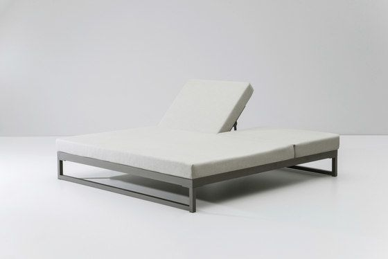 https://res.cloudinary.com/clippings/image/upload/t_big/dpr_auto,f_auto,w_auto/v2/product_bases/landscape-double-lounger-with-5-position-by-kettal-kettal-clippings-4333412.jpg