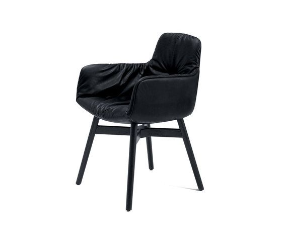 https://res.cloudinary.com/clippings/image/upload/t_big/dpr_auto,f_auto,w_auto/v2/product_bases/leya-armchair-high-by-freifrau-sitzmobelmanufaktur-freifrau-sitzmobelmanufaktur-birgit-hoffmann-christoph-kahleyss-clippings-3670232.jpg