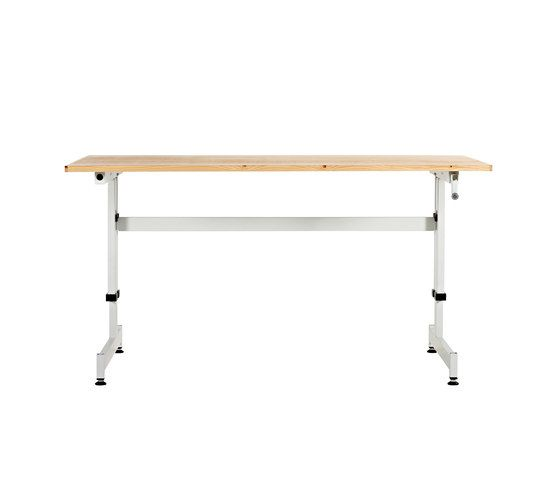 https://res.cloudinary.com/clippings/image/upload/t_big/dpr_auto,f_auto,w_auto/v2/product_bases/made-in-the-workshop-desk-by-lensvelt-lensvelt-piet-hein-eek-clippings-3404562.jpg
