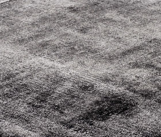 kymo,Rugs,black,black-and-white,grass,line,monochrome,monochrome photography