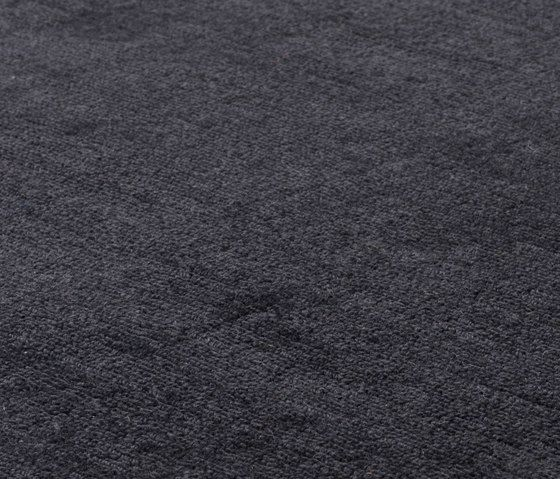 https://res.cloudinary.com/clippings/image/upload/t_big/dpr_auto,f_auto,w_auto/v2/product_bases/mark-2-wool-deep-graphite-by-kymo-kymo-clippings-6536252.jpg