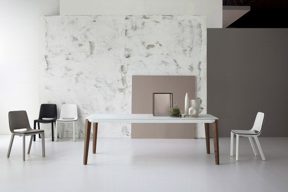 Bonaldo,Dining Tables,chair,coffee table,design,desk,floor,flooring,furniture,house,interior design,material property,property,room,table,tile,wall,white
