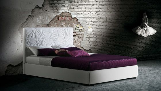https://res.cloudinary.com/clippings/image/upload/t_big/dpr_auto,f_auto,w_auto/v2/product_bases/mauritius-by-milano-bedding-milano-bedding-clippings-5848652.jpg