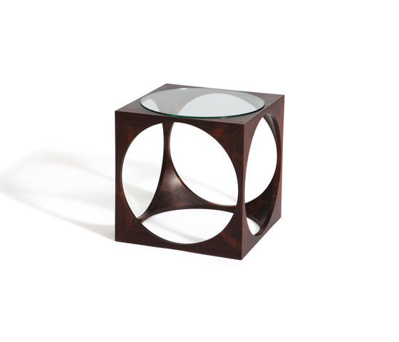 https://res.cloudinary.com/clippings/image/upload/t_big/dpr_auto,f_auto,w_auto/v2/product_bases/multipurpose-cubes-by-gaffuri-gaffuri-seiji-nibe-clippings-3803832.jpg