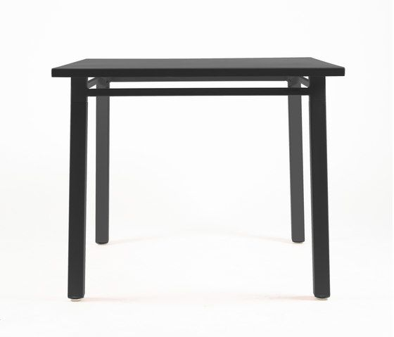 https://res.cloudinary.com/clippings/image/upload/t_big/dpr_auto,f_auto,w_auto/v2/product_bases/ns9556-table-by-maiori-design-maiori-design-clippings-3560442.jpg