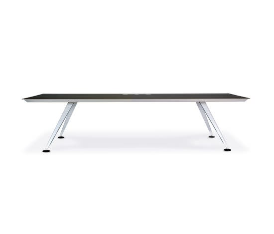 https://res.cloudinary.com/clippings/image/upload/t_big/dpr_auto,f_auto,w_auto/v2/product_bases/ondalunga-table-by-designarchiv-designarchiv-ueli-biesenkamp-clippings-3522782.jpg