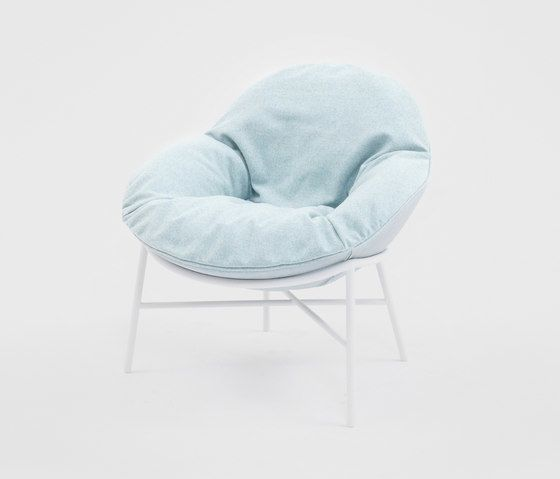 https://res.cloudinary.com/clippings/image/upload/t_big/dpr_auto,f_auto,w_auto/v2/product_bases/oyster-armchair-by-comforty-comforty-krystian-kowalski-clippings-4630272.jpg