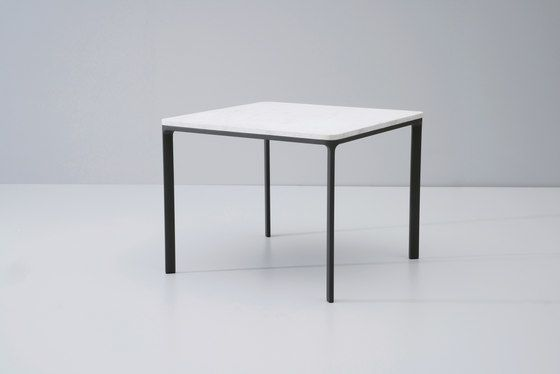 https://res.cloudinary.com/clippings/image/upload/t_big/dpr_auto,f_auto,w_auto/v2/product_bases/park-life-dining-table-by-kettal-kettal-jasper-morrison-clippings-3550802.jpg