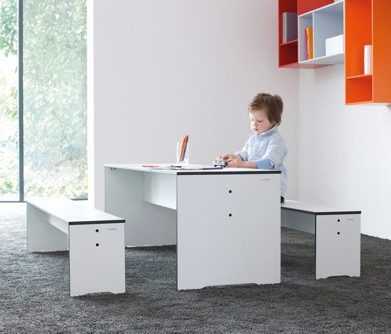 Conmoto,Benches,computer desk,desk,furniture,material property,room,table
