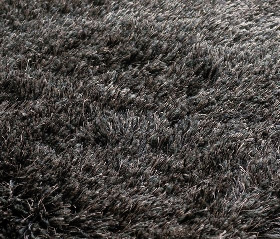 kymo,Rugs,black,black-and-white,brown,fur,grass,soil