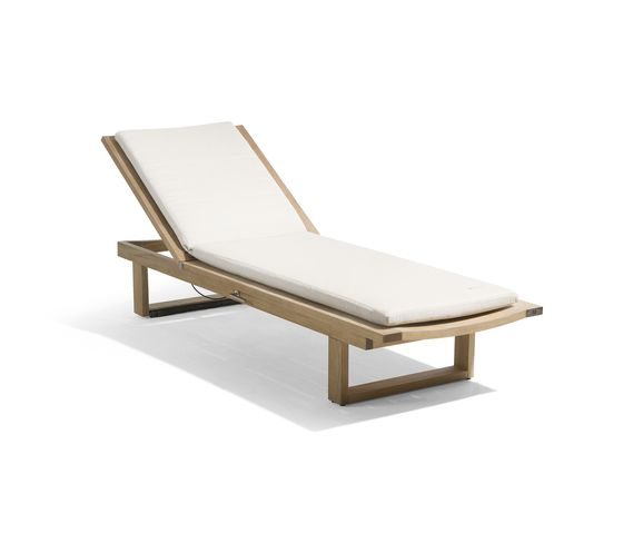 Manutti,Outdoor Furniture,chair,chaise longue,furniture,outdoor furniture,sunlounger