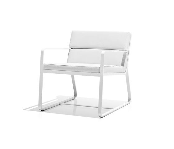 https://res.cloudinary.com/clippings/image/upload/t_big/dpr_auto,f_auto,w_auto/v2/product_bases/sit-low-armchair-white-by-bivaq-bivaq-andres-bluth-clippings-3856532.jpg