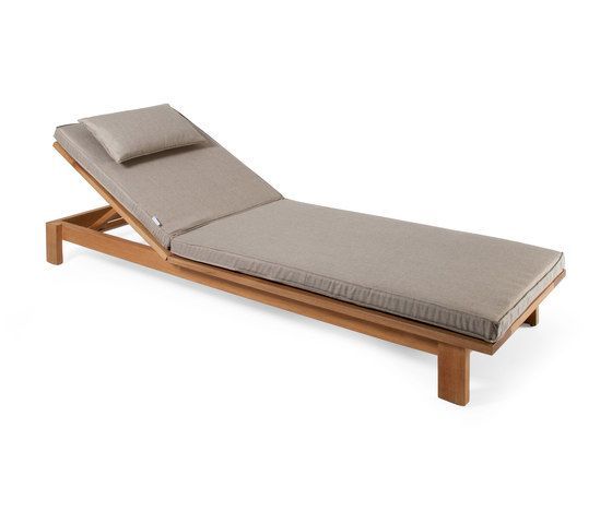 https://res.cloudinary.com/clippings/image/upload/t_big/dpr_auto,f_auto,w_auto/v2/product_bases/skanor-sun-lounger-by-skargaarden-skargaarden-carl-jagnefelt-joacim-wahlstrom-clippings-4364582.jpg