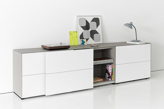chest of drawers,chiffonier,desk,drawer,dresser,furniture,material property,shelf,sideboard,table