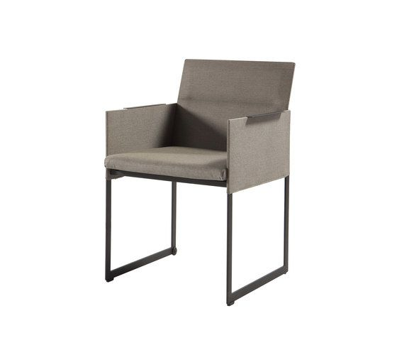 https://res.cloudinary.com/clippings/image/upload/t_big/dpr_auto,f_auto,w_auto/v2/product_bases/squat-dining-chair-by-manutti-manutti-clippings-6862022.jpg