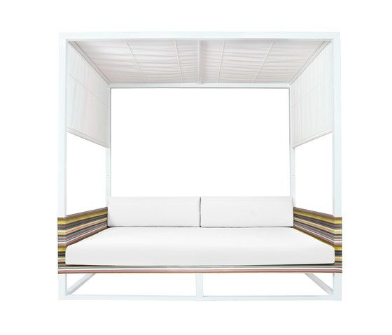 Mamagreen,Outdoor Furniture,bed,canopy bed,furniture,rectangle,studio couch,table
