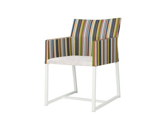 https://res.cloudinary.com/clippings/image/upload/t_big/dpr_auto,f_auto,w_auto/v2/product_bases/stripe-dining-chair-vertical-leisuretex-seat-by-mamagreen-mamagreen-clippings-7113942.jpg