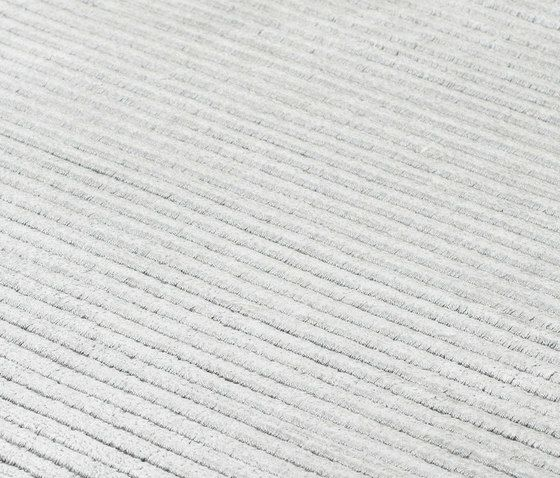 https://res.cloudinary.com/clippings/image/upload/t_big/dpr_auto,f_auto,w_auto/v2/product_bases/suite-paris-viscose-arctic-grey-by-kymo-kymo-clippings-6203912.jpg