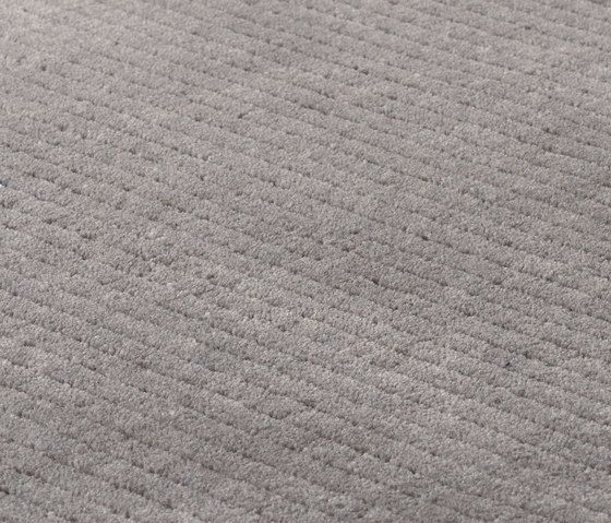 https://res.cloudinary.com/clippings/image/upload/t_big/dpr_auto,f_auto,w_auto/v2/product_bases/suite-sthlm-wool-grey-sky-by-kymo-kymo-clippings-6131552.jpg