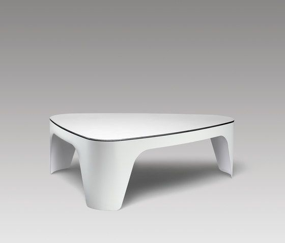 https://res.cloudinary.com/clippings/image/upload/t_big/dpr_auto,f_auto,w_auto/v2/product_bases/tabular-lt3-coffee-table-by-muller-mobelfabrikation-muller-mobelfabrikation-werksdesign-clippings-3433432.jpg