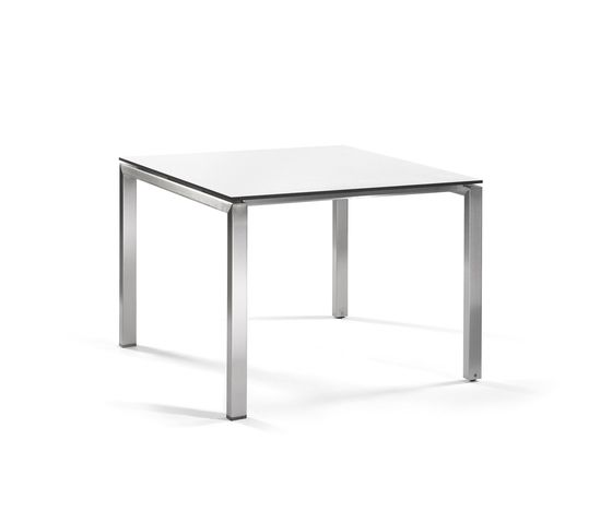 Manutti,Dining Tables,coffee table,end table,furniture,outdoor table,rectangle,sofa tables,table