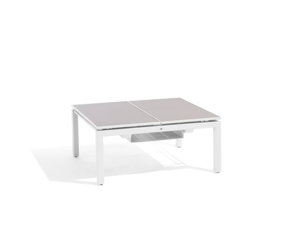 Manutti,Coffee & Side Tables,coffee table,desk,end table,furniture,outdoor table,rectangle,table