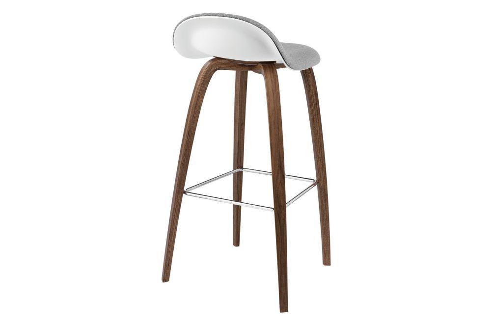 https://res.cloudinary.com/clippings/image/upload/t_big/dpr_auto,f_auto,w_auto/v2/products/3d-bar-stool-front-upholstered-wood-base-hirek-shell-gubi-wood-american-walnut-gubi-hirek-soft-white-price-grp-01-gubi-metal-chrome-gubi-komplot-design-clippings-11187431.jpg