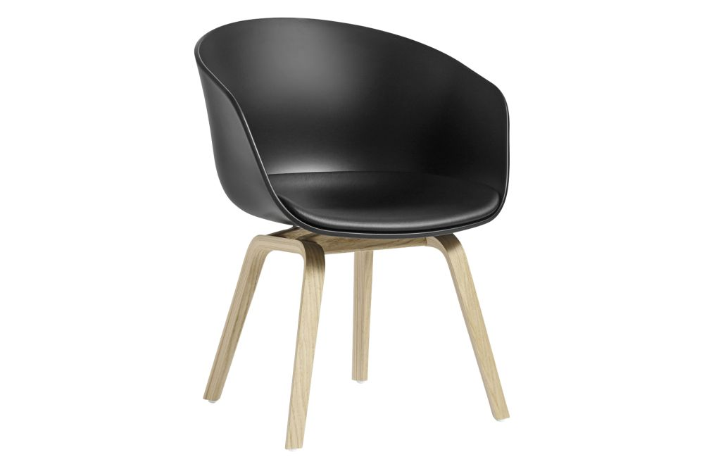https://res.cloudinary.com/clippings/image/upload/t_big/dpr_auto,f_auto,w_auto/v2/products/aac-42-low-armchair-fixed-seat-cushion-fabric-group-5-wood-soaped-oak-plastic-black-hay-hee-welling-hay-clippings-11231331.jpg