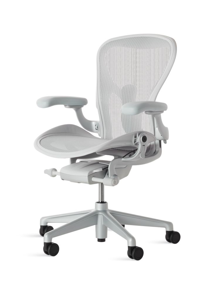 https://res.cloudinary.com/clippings/image/upload/t_big/dpr_auto,f_auto,w_auto/v2/products/aeron-task-chair-clippings-essentials-graphite-23103-herman-miller-clippings-11356765.jpg