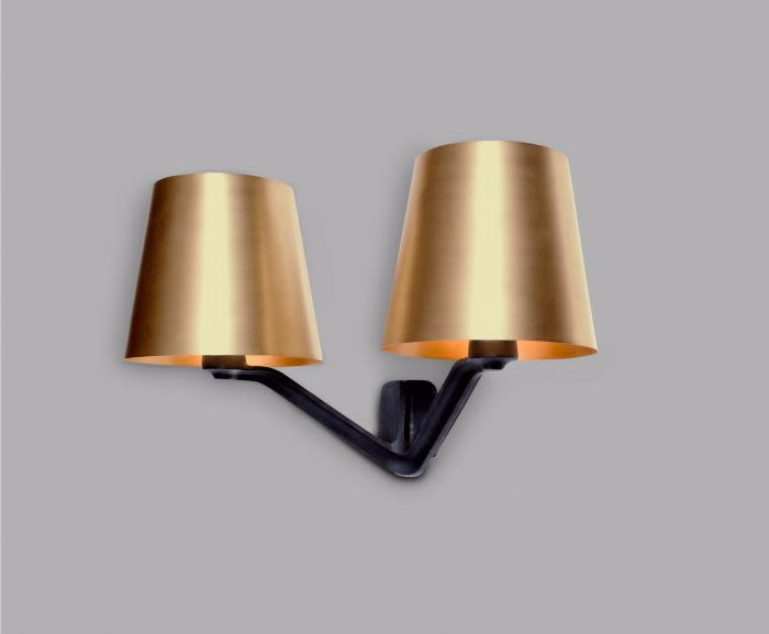 https://res.cloudinary.com/clippings/image/upload/t_big/dpr_auto,f_auto,w_auto/v2/products/base-wall-light-brass-tom-dixon-clippings-8786071.jpg